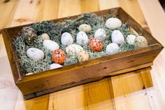 Use a #barnwood tray for your next #Easter display