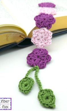 Free Crochet Pattern: Chain of Flowers Bookmark!