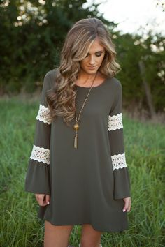 This dress is amazing!  Love the color and lace details! Perfect for fall!.
