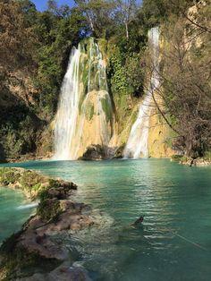 cascada de Minas Viejas en San Luis Potosí.