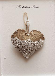 #burlap #lace #ideas #burlapandlace #valentinesday Burlap Heart #burlapheart