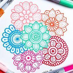 Mandala Art, Mandala Doodle, Mandala Drawing, Mandala Design, Unique Drawings, Cool Art Drawings, Bullet Journal Art, Bullet Journal Ideas Pages, Dibujos Zentangle Art