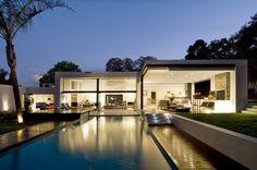 Fachada de casa minimalista de una planta