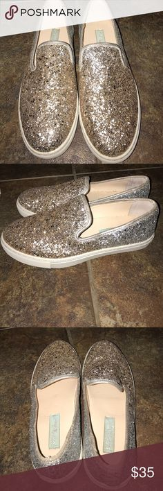 Betsey Johnson Glitter Gold glitter Betsey Johnson clogs, worn a few times, excellent condition. Smoke Free home. Size 8. Betsey Johnson Shoes Mules & Clogs