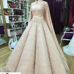 24 ideas for dress prom hijab wedding gowns Muslim Wedding Gown, Muslimah Wedding Dress, Muslim Wedding Dresses, Bridal Dresses, Wedding Gowns, Prom Dresses, Dress Prom, Wedding Hijab Styles, Beautiful Dresses