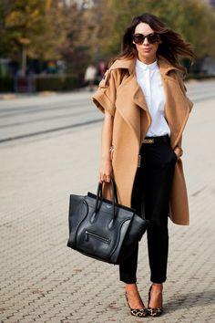 Camel wool coat with short sleeves. via cashmereinstyle