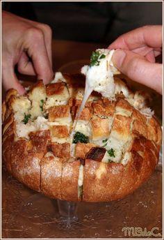 """Pain apéritif au fromage et à l'ail, le """"Cheese & garlic bread"""""""