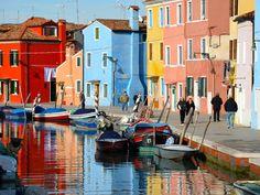 http://www.geo.fr/var/geo/storage/images/voyages/vos-voyages-de-reve/dans-la-lagune-de-venise-sur-l-ile-de-burano/rivage-paisible/1096536-1-fre-FR/rivage-paisible-leader_620x465.jpg