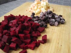 I love this feature my cousin is doing on age appropriate foods: Beets, blueberries and Apple puree for 8 month old