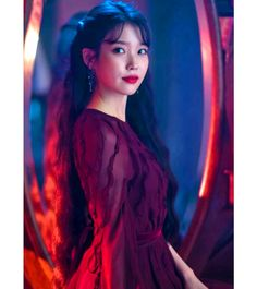 Hotel Del Luna is a series that has featured amazing jaw dropping fashion. All worn by the hotel's CEO Jang Man-wol. Read about Man-Wol Outfits here. Korean Girl, Asian Girl, Kdrama, Luna Fashion, Moon Lovers, Korean Celebrities, Sweet Style, Korean Actresses, Ulzzang Girl