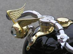 Ornaments of the Motorcycles BSA Chopper Blackheads Car Badges, Car Logos, Car Bonnet, Cx 500, Automobile, Car Hood Ornaments, Kustom Kulture, Bike Parts, Motorcycle Parts