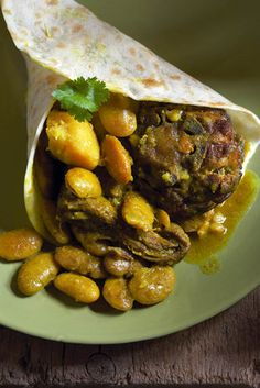 Karoo-lamskerrie met jam | SARIE | South African Dishes, West African Food, South African Recipes, Ethnic Recipes, Lamb Curry, Nigerian Food, Bar Food, Recipes From Heaven, Food Heaven