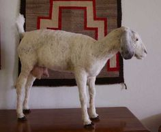 #goatvet thinks this fibre goat is very realistic (website is not in English)