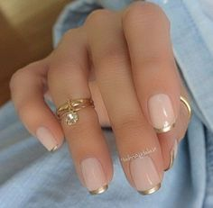 60 Stunning minimal French Nail Art designs that are stylish yet sophisticated French Manicure Designs, Nail Designs Pictures, Simple Nail Art Designs, Best Nail Art Designs, Easy Nail Art, Cool Nail Art, White Tip Nails, Nagel Hacks, Nail Art