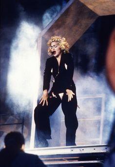 Madonna dans les 80's en smoking Jean Paul Gaultier