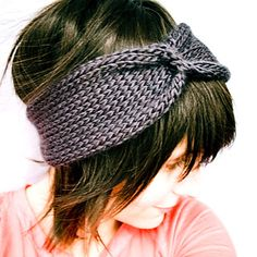 This chunky knit headband is a cinch to knit and wear! Simple, subtle bow detail can be worn in front, to the side or in the back. A great, fashionable hat substitute for chilly ears.