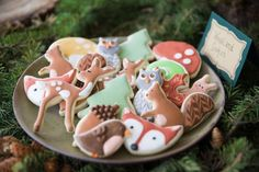 The CUTEST :) woodland baby shower ideas. - Colleen Michele - The CUTEST :] woodland baby shower ideas. Gateau Baby Shower, Deco Baby Shower, Baby Girl Shower Themes, Baby Shower Cookies, Baby Boy Shower, Baby Shower Decorations, Baby Showers, Galletas Cookies, Sugar Cookies