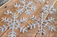 Come fare fiocchi di neve,realizzati con della colla a caldo, seguendo dei semplici schemi che inserirò per comodità nell'articolo