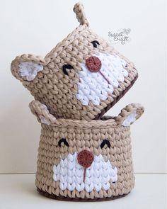 #homedecor #decoration #decoración #interiores Crochet Bowl, Crochet Basket Pattern, Knit Basket, Love Crochet, Crochet Gifts, Crochet Yarn, Crochet Patterns, Yarn Projects, Crochet Projects