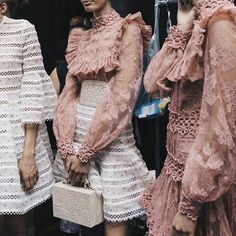 New York Fashion Week trends and street style Fashion Week, New York Fashion, Runway Fashion, High Fashion, Fashion Show, Womens Fashion, Fashion Trends, Style Fashion, Fashion Fail