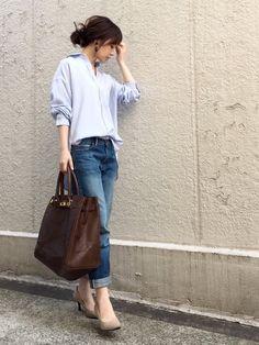 AZUL ENCANTOのシャツ・ブラウス「【洗濯機で洗える】モダールポリエステル襟ワイヤー入りシャツ 」を使ったari☆のコーディネートです。WEARはモデル・俳優・ショップスタッフなどの着こなしをチェックできるファッションコーディネートサイトです。