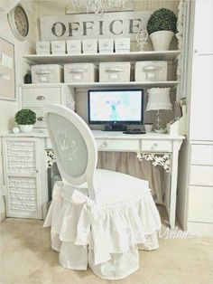 41 Stunning Shabby Chic Office Makeover Ideas – HomeandCraft – Chic Home Office Design Bureau Shabby Chic, Shabby Chic Interiors, Shabby Chic Living Room, Shabby Chic Bedrooms, Shabby Chic Homes, Shabby Chic Style, Shabby Chic Furniture, Shabby Chic Decor, Bedroom Furniture