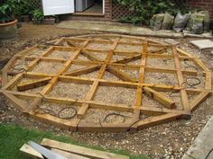 Dave Chamber's circular patio from African Azobe planking Photo 4