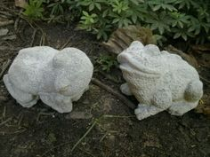 Cement-5-5-Resting-Frog-Pair-Garden-Statue-Weathered-Concrete-Very-Cute