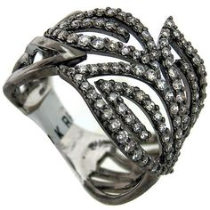 Love this ring! This would compliment my oranges and yellows this season.