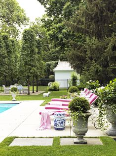Shelley Johnstone Interior Design Lake Forest Illinois David Adler Pagoda Pool House Chinoiserie Blue and White Porcelain Pink Chaise