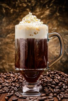 Irish Coffee: oz Jameson Black Barrel Irish Whiskey, 1 Tbsp brown sugar, hot coffee and whipped cream. Combine first three ingredients in a glass mug; stir gently and top with whipped cream. Coffee Drink Recipes, Coffee Cocktails, Starbucks Drinks, Cocktail Drinks, Cocktail Recipes, Irish Coffee, Irish Whiskey, Coffee Cafe, Hot Coffee
