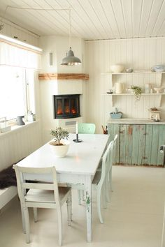 Image of: simple country kitchen farmhouse kitchen kitchen fancy simple country kitchen design ideas showing Cottage Shabby Chic, Shabby Chic Kitchen, Kitchen Decor, Kitchen Dining, Kitchen Corner, Kitchen Colors, Kitchen Layout, Rustic Kitchen, Kitchen Interior
