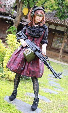 girl with gun Gunslinger Girl, Mode Kawaii, Cute Japanese Girl, Warrior Girl, Military Women, Girls Frontline, Cute Girl Photo, Cosplay Girls, Girl Photos