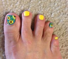 Sunflower toes