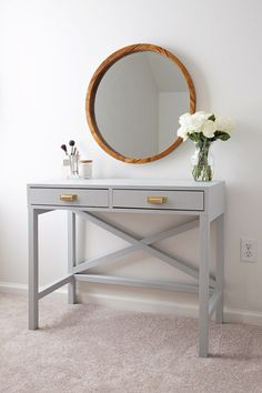 How to build a makeup vanity that is functional and beautiful! This DIY makeup v… How to build a makeup vanity that is functional and beautiful! This DIY makeup vanity is budget friendly and the perfect place to apply and store makeup! Bathroom With Makeup Vanity, Rustic Bathroom Vanities, Wood Vanity, Rustic Makeup Vanity, Diy Vanity Table, Ikea Makeup Vanity, Makeup Vanities, Vanity Cabinet, Home Design
