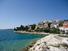 Viele dieser Häuser, die sich  direkt am Meer befinden kann man entweder ganz mieten, oder man kann Appartements, die sich in den Häusern befinden mieten.
