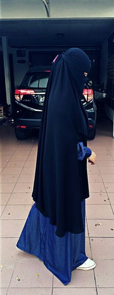 OOTD khimar with hand slits.very long khimar yet comfy. @jalabeeb_my