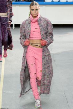 Chanel fall/winter 2014 collection – Paris fashion week