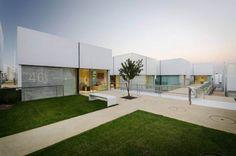 Complejo social en Alcabideche, Guedes Cruz Arquitectos