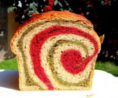 Beet and Spinach Swirl Bread [Vegan] - One Green PlanetOne Green Planet Bread Recipes, Vegan Recipes, Beet Bread Recipe, Vegan Ideas, Spinach Recipes, Christmas Recipes, Yummy Recipes, Spinach Bread, Pumpkin Seed Butter