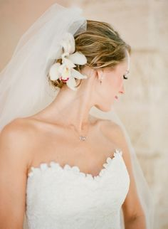 Simple Wedding HairStyles ♥ Wedding Updo Hairstyle and Simple Veil