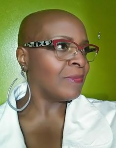 The Beautiful Bald Bella making Bald a fashion statement! Bald Hairstyles For Women, Crown Hairstyles, Black Hairstyles, Bald Head Women, Natural Hair Styles, Short Hair Styles, Bald Girl, Edgy Hair, Shaved Head