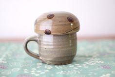 きのこカップ (茶) 小石原焼 ヤママル窯|グラス・カップ|engiya-japan|ハンドメイド通販・販売のCreema