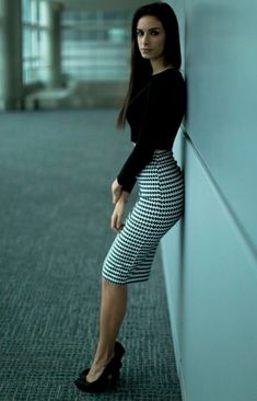 Pencil Skirt Outfits // Casual Skirt Outfits // How to wear skirt outfits // Fashion casual outfits // Trending women's Clothes // Office outfits ideas Pencil Skirt Outfits, Dress Outfits, Pencil Skirts, Cute Outfits, Fashion Outfits, Work Outfits, Dress Fashion, Cute Office Outfits, Summer Outfits