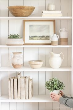 Home Decor Bohemian Shelf Styling 101 - Love Grows Wild.Home Decor Bohemian Shelf Styling 101 - Love Grows Wild Styling Bookshelves, Decorating Bookshelves, Bookcases, Home Decor Shelves, Living Room Shelves, Entryway Shelf, Kitchen Bookshelf, Shelving Decor, Kitchen Shelf Decor