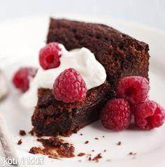 Ihanan sitkeä ja keskeltä pehmeä mutakakku eli mudcake on täydellinen suklaanautinto. Kurkkaa ohje ja leivo!