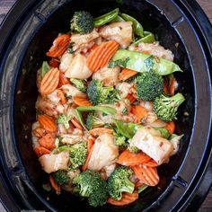Slow Cooker Chicken Stir-Fry – Fit Slow Cooker Queen Using a stir-fry sauce is an easy way to create a slow cooker meal without the fuss. Just add protein and vegetables for a complete meal. Crockpot Chicken And Vegetables, Vegetable Slow Cooker, Crockpot Chicken Healthy, Healthy Slow Cooker, Chicken Stir Fry, Vegetable Dish, Chicken Potatoes, Slow Cooker Desserts, Slow Cooker Recipes