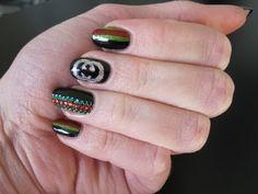 nail art - gucci style