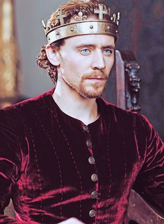 Henry IV parts 1&2 were great *coughsaunascenecough* but I prefer the King in Henry V. Yum.