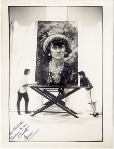 """painting of Coco Chanel by artist Marion Pike """"Luxury must be comfortable, otherwise it is not luxury."""" – Coco Chanel One hundred and thirty years ago Chanel Brand, Chanel News, Chanel Designer, Chanel Couture, Atelier Dior, Marca Chanel, Estilo Coco Chanel, Victoria Beckham, Mademoiselle Coco Chanel"""